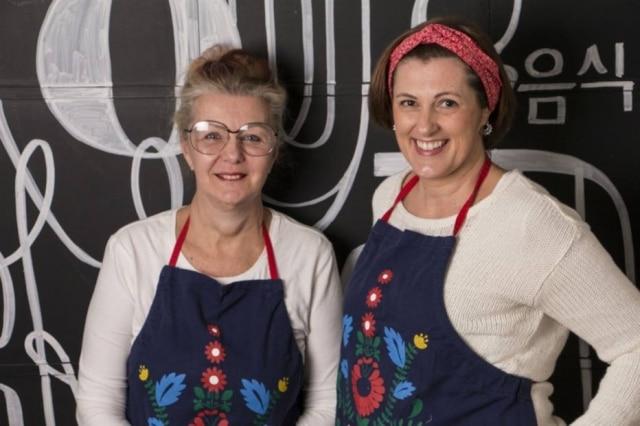 Primas. Ulla (à esq.) e Vic, da Pierogueria Cozinha Polonesa Afetiva