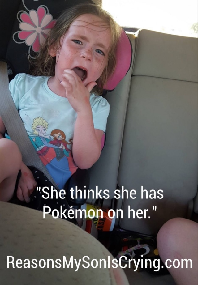 """""""Ela acha que há um Pokémon nela""""."""