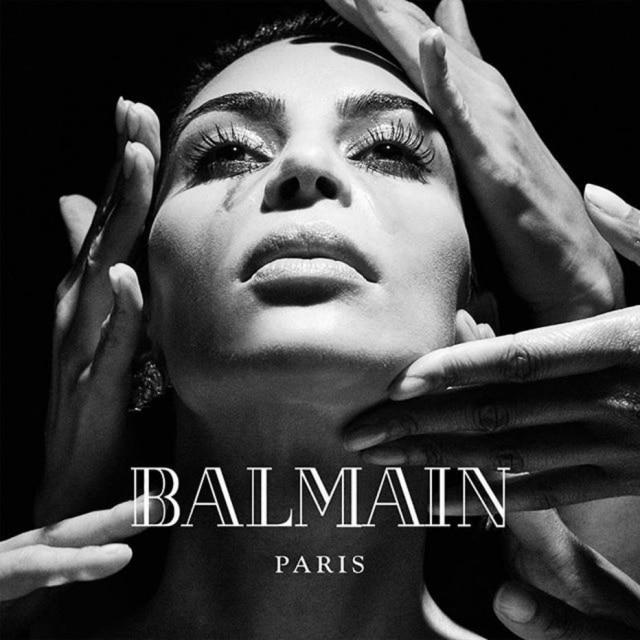 Kim Kardashian, esposa de Kanye West, tem papel de destaque no clipe