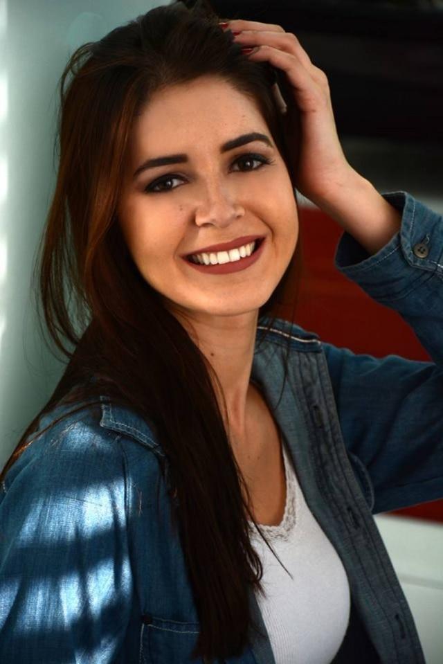 Camila Dias Mol.