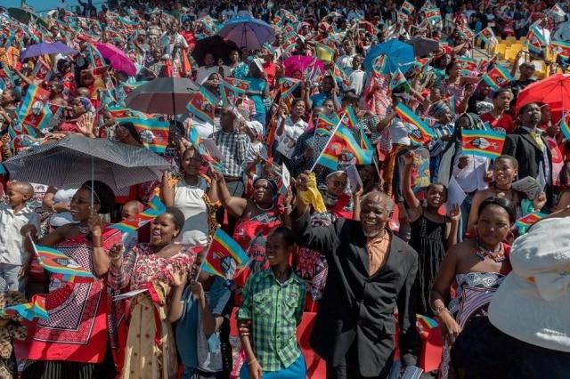 Comemorações pela independência da Suazilândia, que agora será chamada de eSwatini.