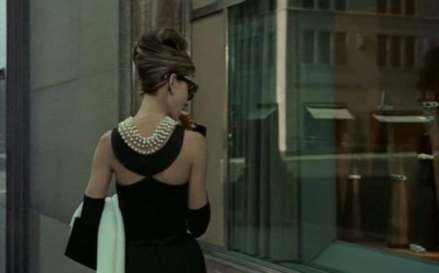 O vestido é usado na cena de abertura do filme