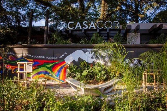 Calçada da fachada da última edição da Casacor São Paulo, encerrada no mês passado