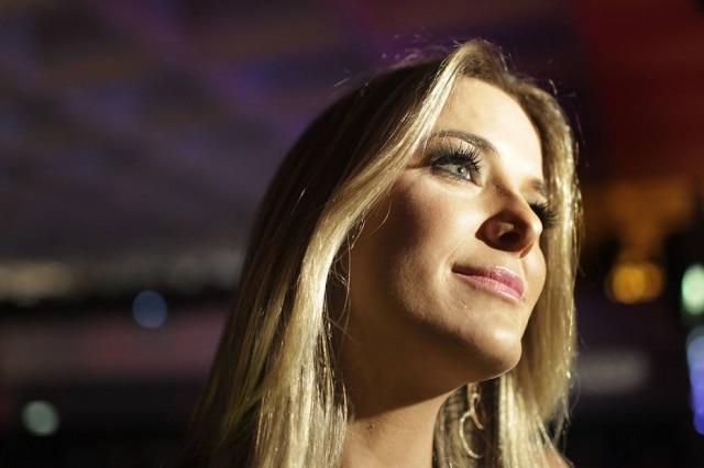A apresentadora Ticiane Pinheiro fez elogio à amiga Karina Bacchi pelo nascimento do seu primeiro filho.