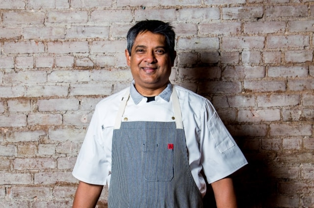O chefFloyd Cardoz no seu restaurante Bombay Bread Bar em Nova York