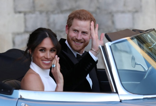 Meghan e Harry saem do castelo de Windsor para recepção privada no Frogmore House.