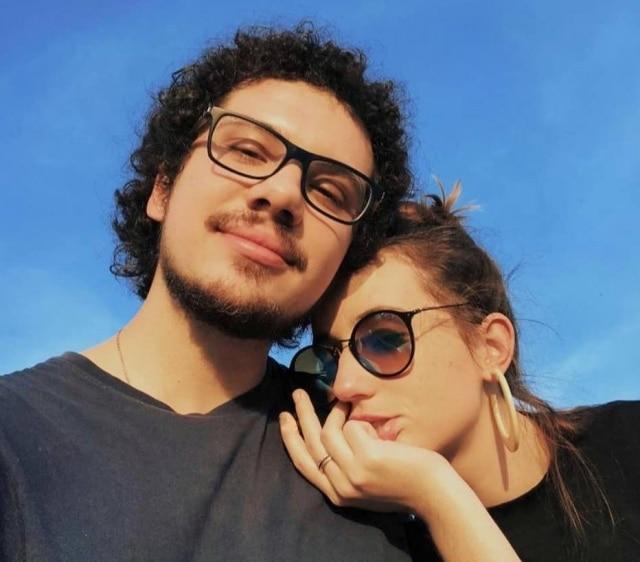 Gabriel de Mello Tieppo, de 25 anos, e Gabriela Noce, 27, namorando à distância na quarentena