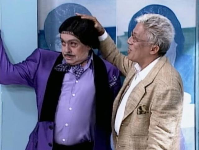 Chico Anysio, como Alberto Roberto, ao lado de Clodovil no quadro 'Rosto a Rosto'.