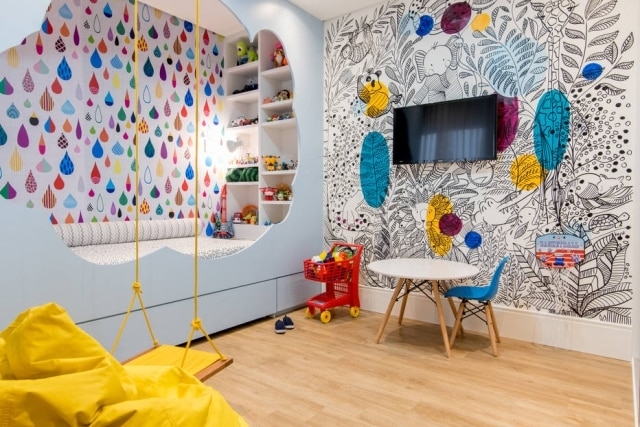 O uso das cores dá vida e alegria ao quarto de criança assinado pela designer Camila Cordista