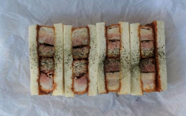 Não se engane pela aparência: esse sanduíche não tem nada de banal