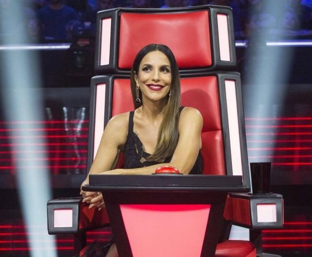 Ivete Sangalo ainda cantou ainda de Dhi Ribeiro, colega da época em que a cantora era modelo.