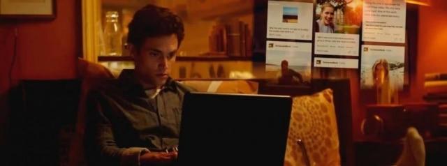 O ator Penn Badgley, que vive Joe Goldberg, o jovem gerente de livraria 'stalker', na série 'You', da Netflix.