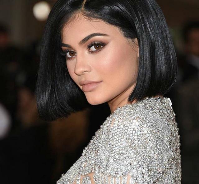 Kylie Jenner no baile do Met: ela é fã de batons nudee marrom