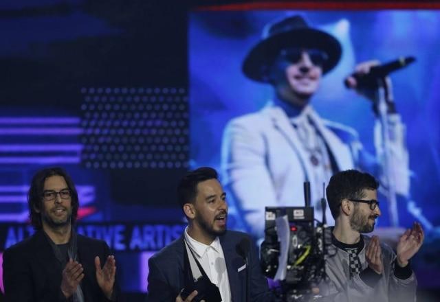 Os ex-integrantes da banda Linkin Park irão leiloar mais de 200 instrumentos musiciais utilizados por eles