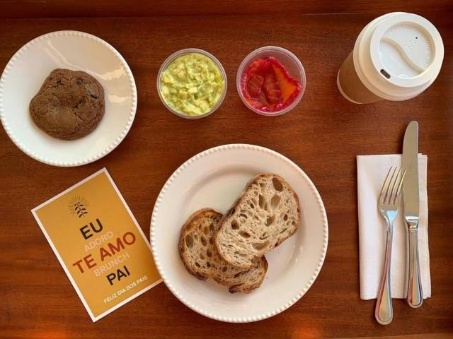 Botanikafé tem opções de kits de café da manhã e brunch.