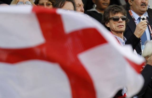 Mick na partida entre Inglaterra e Alemanha na Copa do Mundo de 2010.