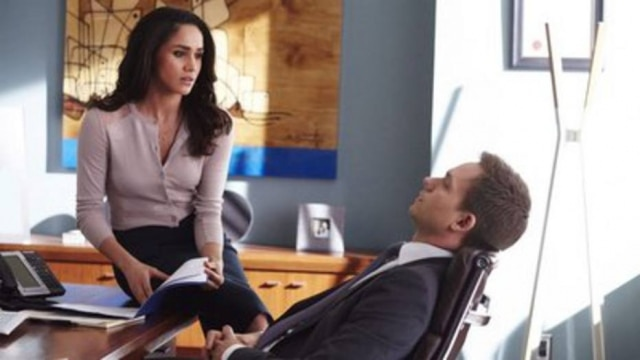 Meghan Markle e Patrick J. Adams em 'Suits'.