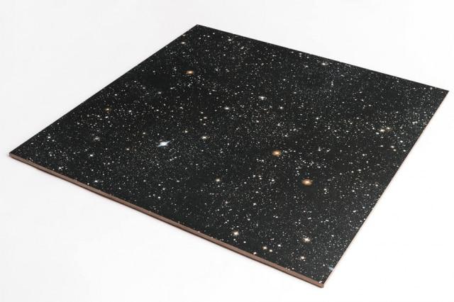 Placa de porcelanato sem aplicações metalizadas indicadapara pisos