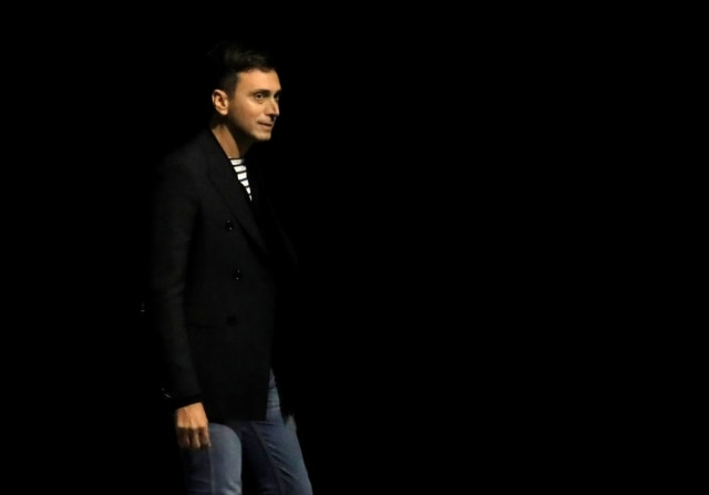 O estilista Hedi Slimane, no final do desfile da Céline