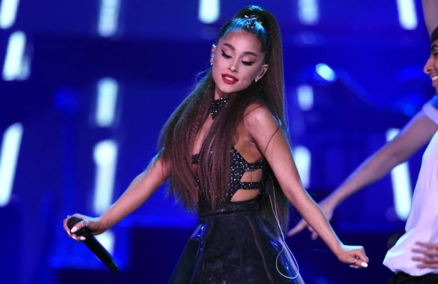 Ariana Grande se desentendeu com produtores do Grammy e cancelou sua performance no evento.