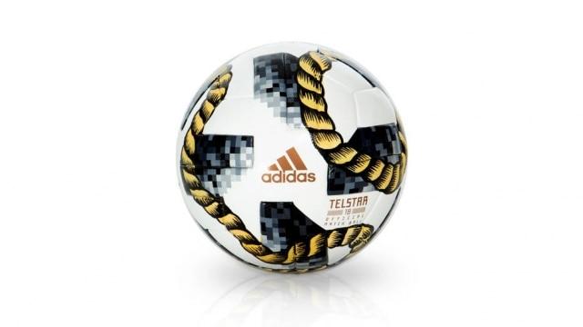 A marca ÀLa Garçonne foi uma das convidadas a recriar a bola do mundial