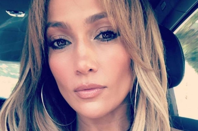 Jennifer Lopez reúne trabalhos na música, televisão e cinema.