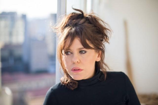 Bárbara Paz é atriz, escritora e diretora de cinema