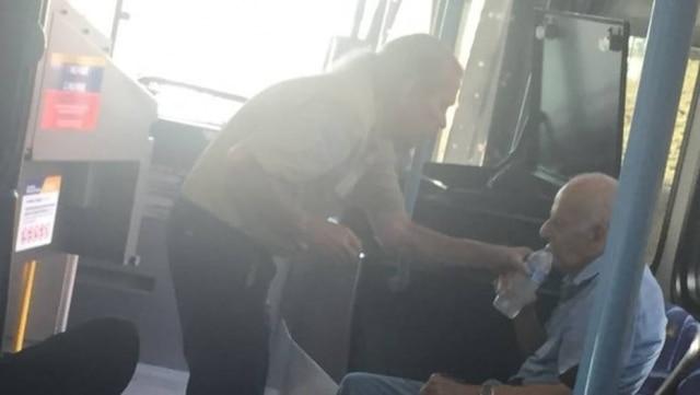 Motorista Mike Blair foi parabenizado pela companhia de transporte público após socorrer idoso de 92 anos.