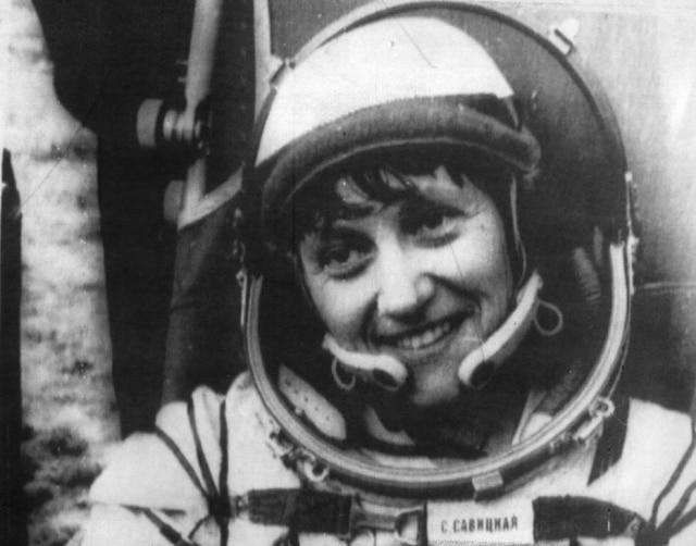 Svetlana Savitskaya retorna à Terra após seu passeio no espaço, Moscou, Rússia 20/7/1984.
