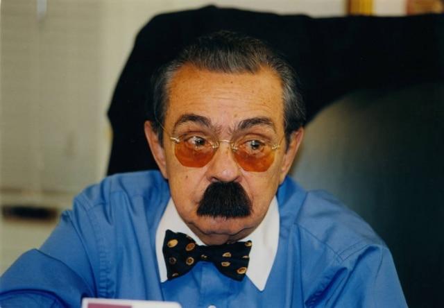 O humorista, nascido em 1931, morreu em 2012.