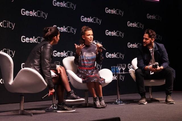 Millie Bobby Brown em painel do evento Geek City no sábado, 3