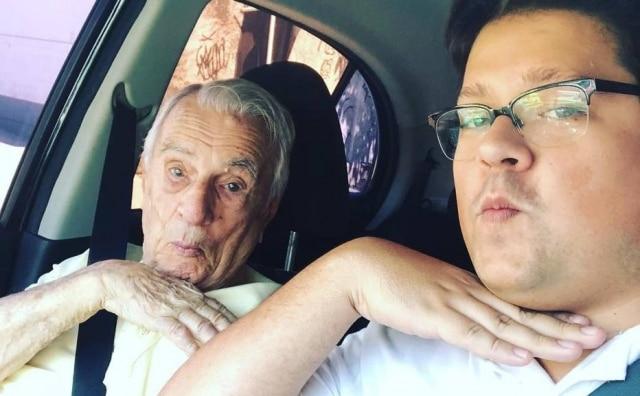 Orlando Drummond e seu neto, Felipe.