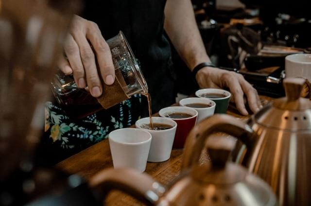 Seleção de cafés da cafeteria Fora da Lei.