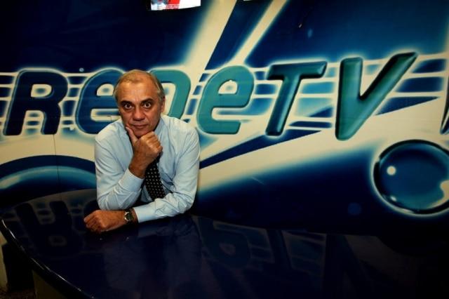 O apresentador durante sua passagem pela RedeTV!