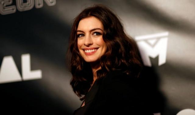 Anne Hathaway pode interpretar Barbie em live-action que estreia em 2018.