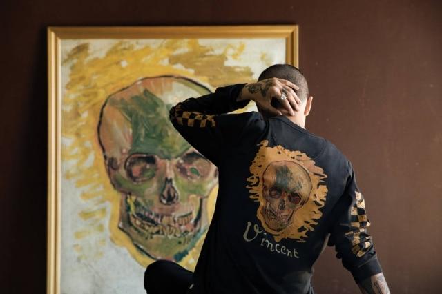 As pinturas do artista holandês viraram estampa de camisetas, tênis, jaquetas e bonés