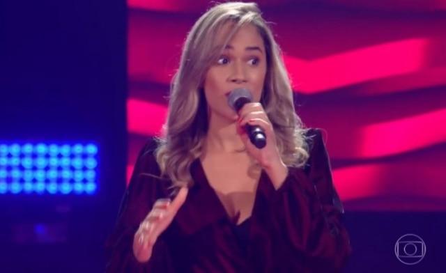 Michele Andrade em sua participação no 'The Voice Brasil'.