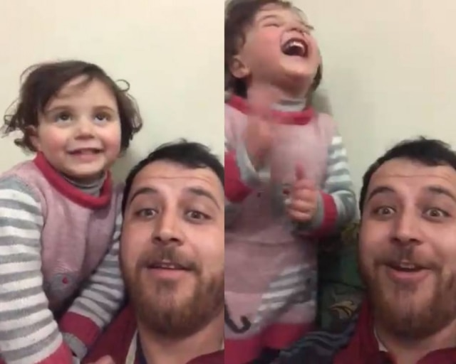 Em um vídeo é possível ver o pai e a filha rindo enquanto uma bomba atinge a região onde eles moram