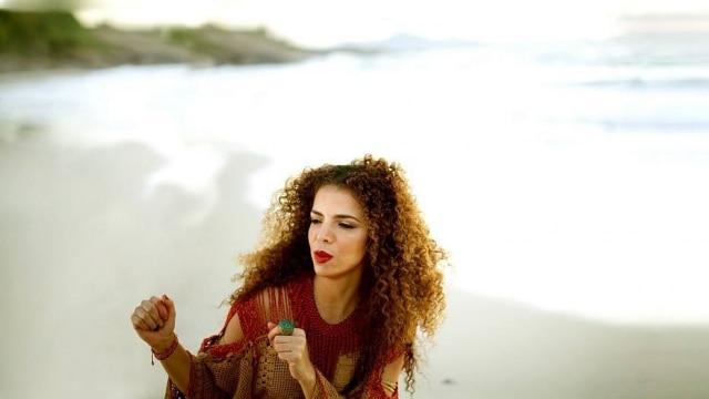 Cantora Vanessa da Mata se apresenta no Ibirapuera