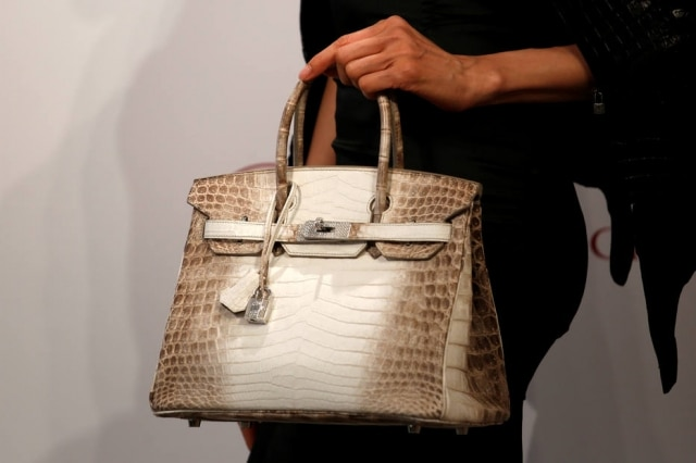 A bolsa mais cara da história, feita pela marca Hermés,foi vendida porUS$ 300.168.