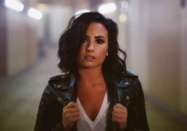 Demi Lovato se tornou sócia da clínica de reabilitação em que se tratou no passado.