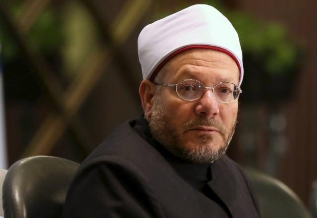 O grão-mufti do Egito, Shawki Allam, emitiu uma fatwa dizendo que quem compra curtidas no Facebook não pode ser considerado muçulmano