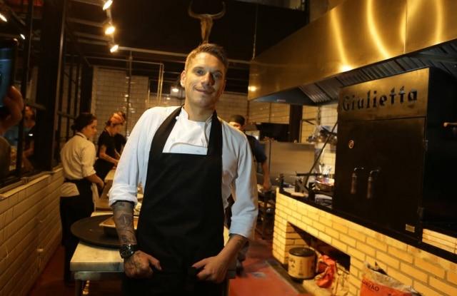 Chef Rodolfo de Santis espera abrir suas casas assim que liberação for aprovada