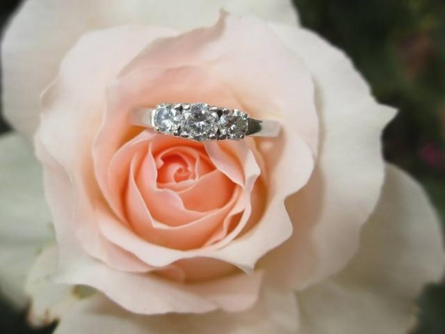 Escossês encontrou jeito diferente de pedir a mão da namorada em casamento.
