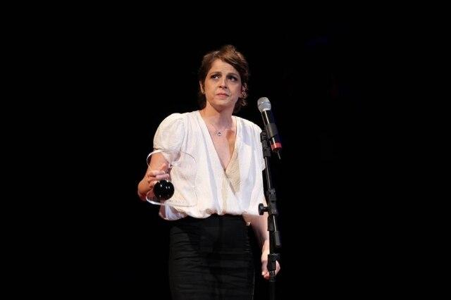 A atriz Drica Moraes venceu uma leucemia - câncer que atinge as células sanguínea e que tem origem na medula óssea. Ela foi diagnosticada em fevereiro de 2010 e, em junho, foi hospitalizada para a realização de um bem sucedido transplante de medula óssea.