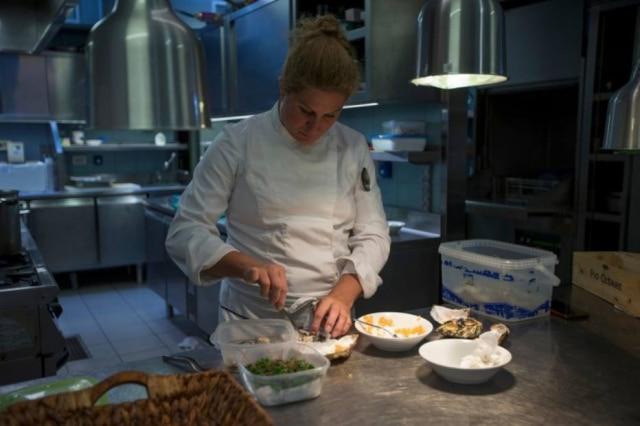 A eslovena Ana Roš aposta em produtos locais para manter a qualidade de seus pratos