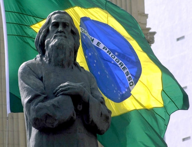 Estátua de Joaquim José da Silva Xavier, o Tiradentes, em frente ao Palácio Tiradentes, na Assembleia Legislativa.