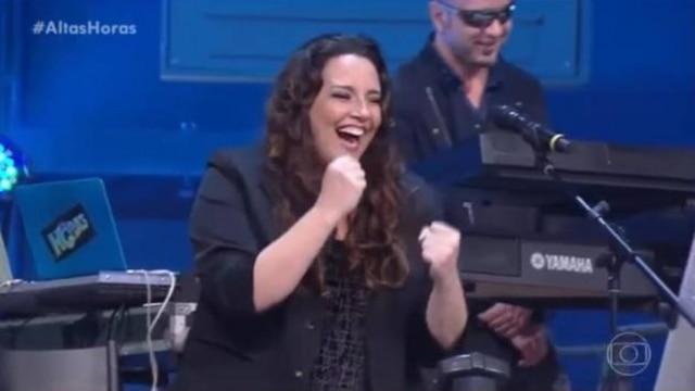 A cantora Ana Carolina foi uma das atrações do 'Altas Horas' deste sábado, 26