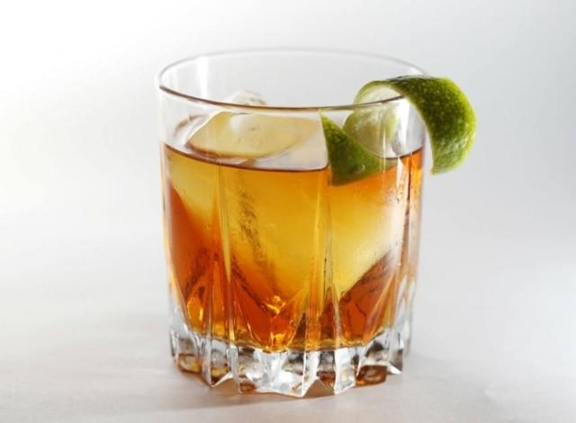 Rabo de galo feito pelo bartender Jean Ponce, do bar Guarita