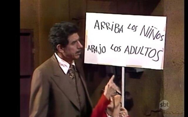 Professor Girafales e Chiquinha, em episódio do Dia das Crianças.